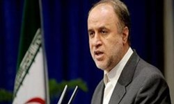 آمریکا با نان و رفاه ملت ایران مبارزه میکند/ مذاکره یعنی نادیده گرفتن مقاومت مردم