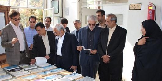 گلایه از نگهداری اسناد ملی کرمان در فضای نامطلوب و مخروبه/بیتوجهی به میراث و هویت کشور