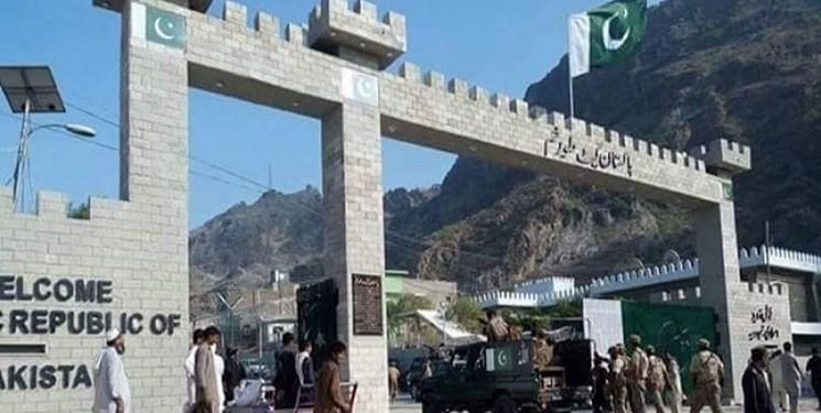 طالبان گذرگاه مرزی تورخم را به روی مسافران بست
