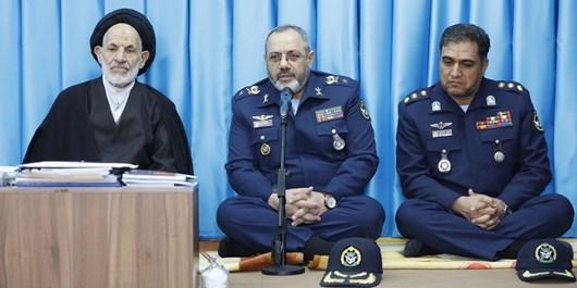 هیچ چشمداشتی به کمکهای بیرونی نداریم/ پیوستن جنگنده ایرانی «کوثر» به ناوگان هوایی کشور