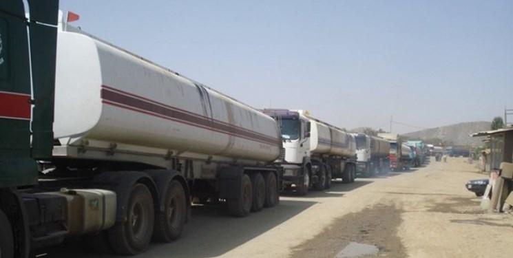 بلاتکلیفی بیش از  ۱۲۰۰ تانکر حمل سوخت در مرزهای ایران و عراق+ ویدئو