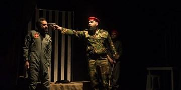 زندگی شهید لشگری به صحنه رفت/ «ضیافت به سبک کاخ سفید» در تئاترشهر