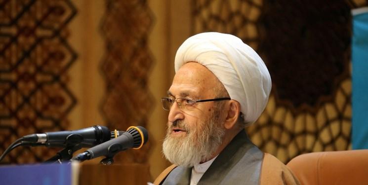 آیتالله سبحانی:  هر نوع تعرض به کتابهای علوم طبیعی  بر خلاف روح اسلام است