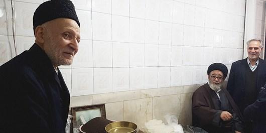 فیلم/ آلهاشم به دیدار  پیرمرد خبرساز این روزهای تبریز رفت