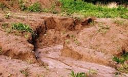 برداشت خاک در روستای «چقلوی سفلی» و مشکلات عدیده روستائیان
