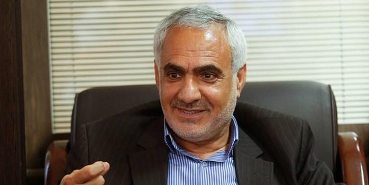 سود ناشی از تفاوت قیمت بازار و کارخانه خودرو به جیب دلالان میرود/ ایران خودرو مشکل کارگری ندارد