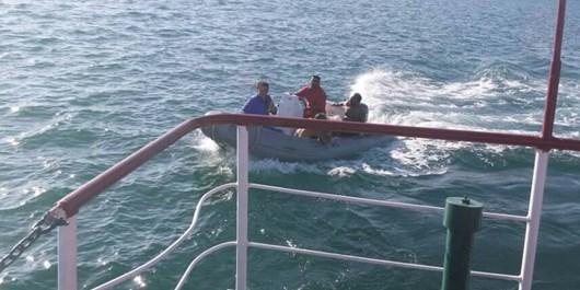 نجات جان دو نفر در آبهاي خليج چابهار