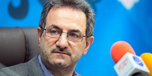 استاندار تهران برای دیدار با جوانان و خانواده شهدا وارد پردیس شد