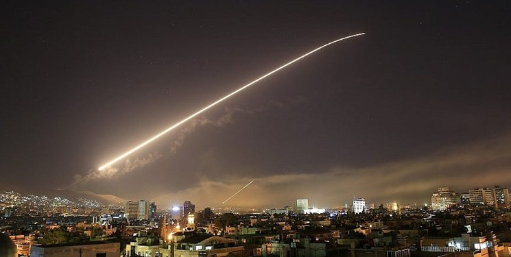 پدافند هوایی سوریه با اهداف متخاصم در آسمان حمص مقابله کرد