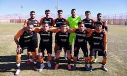 تقابل مس کرمان و شاهین شهرداری بوشهر در لیگ یک فوتبال