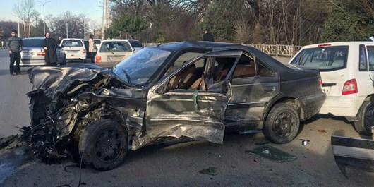 برخورد شدید 4 خودرو در ناهارخوران و مجروح شدن 2 نفر