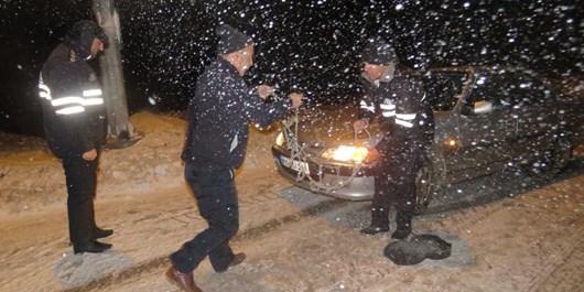 طرح زمستانی پلیس در محورهای مواصلاتی جنوب استان به اجرا درآمد