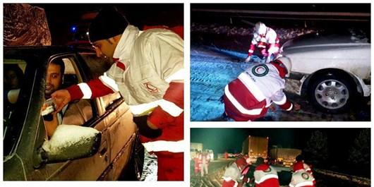 امدادرسانی به بیش از 3700 مسافر زمستانی گرفتار در برف و کولاک در کرمانشاه