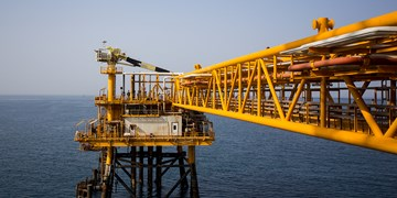 آمریکا بخش نفت را مشمول اختیارات تحریمی جدید قرار داد/وزیر نفت تحریم شد