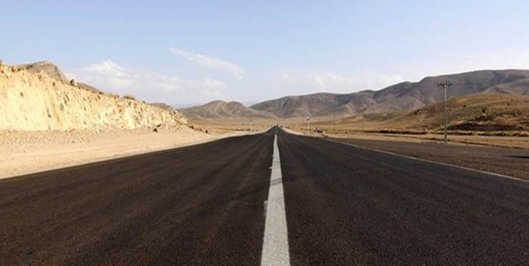 فارس من| انجام خطکشی محور فارسان پس از مساعد شدن دمای هوا