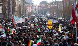 انقلاب اسلامی با وجود توطئهها استكبار را به زیر خواهد کشید