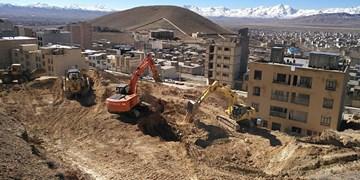 رفع خطر در منطقه ریزش کوه در شهرکرد/بازگشت سکنه به خانههایشان بعد از اعلام نظر شورای فنی استان