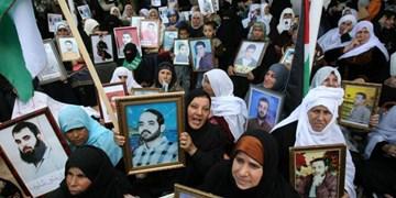 عباس زیر بار فشار تل آویو برای قطع حقوق خانوادههای شهدا و اسرای فلسطینی نرفت