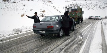 تردد در جادههای کوهستانی چهارمحال و بختیاری با زنجیرچرخ امکان پذیر است