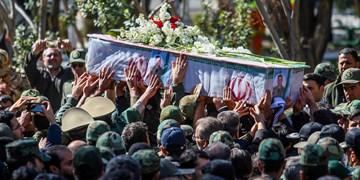 تشییع پیکر یکی از جانباختگان سانحه سقوط بالگرد در بناب