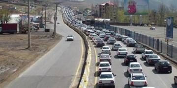 تاخیر در اجرای محدودیت هراز و کندوان/تردد خودروها در تمام محورها پرحجم است