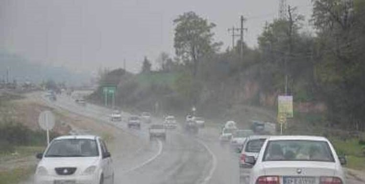جادهها لغزنده و ارتفاعات مهآلود است/ رانش در محور سوادکوه