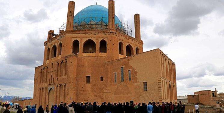 فاز دوم تزئینات ایوان شمال غربی گنبد سلطانیه مرمت شد