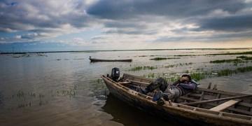 واژگونی قایق ماهیگیری با 2 سرنشین در رودخانه قرهسو