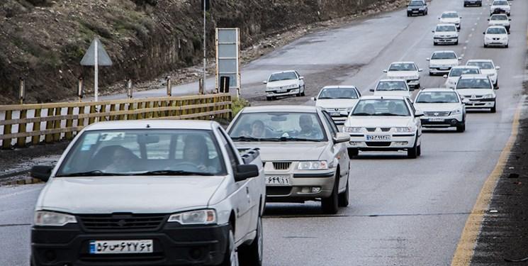 تردد خودروها در جادههای همدان عادی است