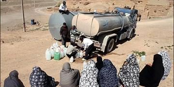 آبرسانی 36 روستا با یک تانکر در تنگستان/ دولت به وعده های خود عمل نکرد