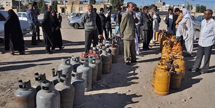 نبود سیلندر گاز روی دنیایی از نفت و گاز/ حاشیهنشینان یاسوج همچنان در عذاب+فیلم