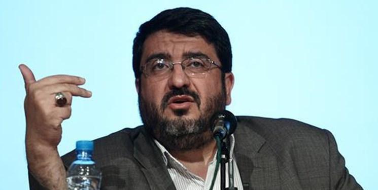 ایزدی: شرطی کردن جامعه مضر است/ هر دو حزب آمریکا در سرنگونی جمهوری اسلامی توافق دارند