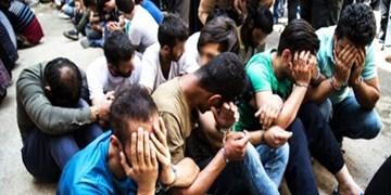 دستگیری 22 اراذل و اوباش در قم