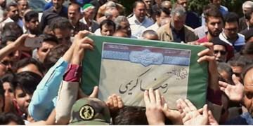 تشییع پیکر شهید مدافع حرم رضا کریمی در پاکدشت