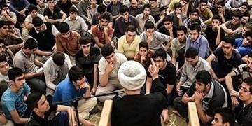 جوانان مسجدی پیک خرید سالمندان در زمان شیوع کرونا شدند