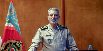 سرلشکر موسوی: نباید بگذاریم سرعت سقوط نظام سلطه کُند شود