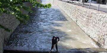 رسوب برداری بیش از50 کیلومتر از کانال ها و مسیل های شمال شرق تهران