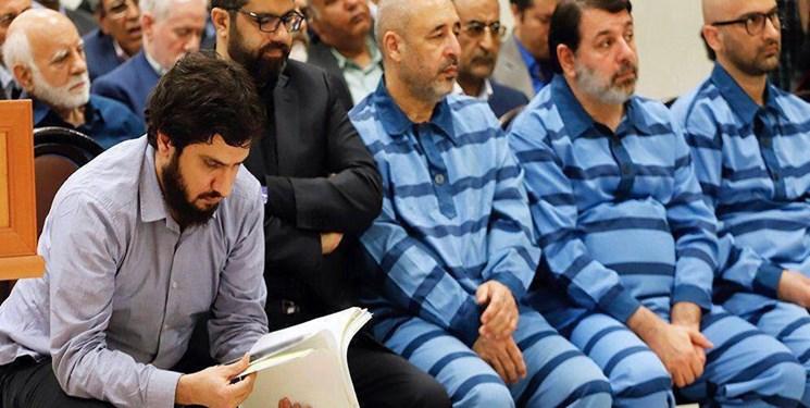 نماینده دادستان: هادی رضوی متهم خرد نیست/ ماجرای سرمایه گذاری رضوی با پول معلمان برای خرید خودروهای لوکس