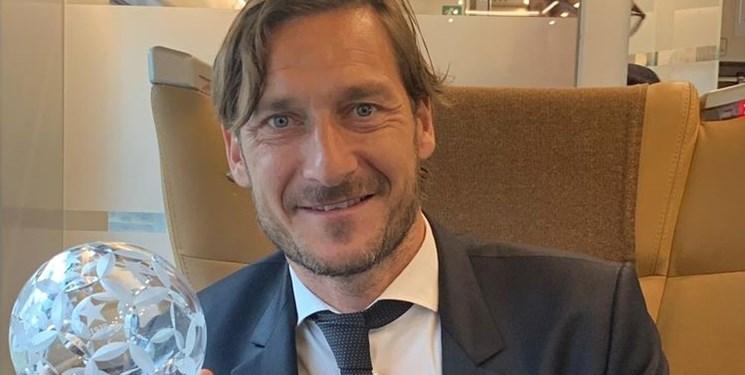 توتی: ناپولی میتواند بارسلونا را شکست دهد