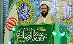 امام جمعه شاهینشهر: مقاومت ایران، آمریکا را به عقبنشینی وادار کرد