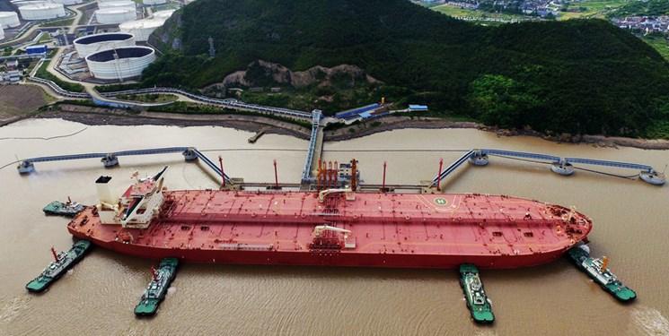 رویترز مدعی شد: انتقال محموله های بنزین منتسب به ایران به کشتی های دیگر/ حکم توقیف فقط برای محمولههاست