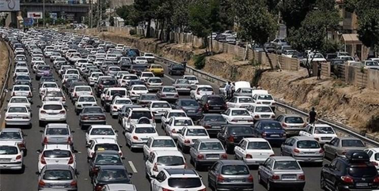 ترافیک پرحجم در محورهای شمال/ ادامه ممنوعیت تردد خودروهای سنگین تا ساعت ۲ بامداد
