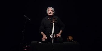 حسین علیزاده به تماشای «شهر خاموش» کیهان کلهر نشست/ کمانچه کلهر مسحورکنندهتر از همیشه