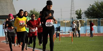 سومی بانوان دونده اصفهان در کشور/ رکوردشکنی بانوی اصفهانی در پرش طول
