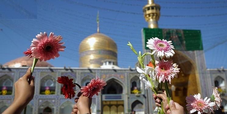حرم مطهر رضوی با حضور دختران مشهدی گلباران شد/ آینده ایران را دخترها میسازند