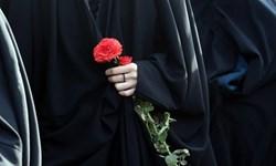خانم دشتستانی که دوخت« چادر صلواتی» هدیه میکند+ عکس