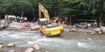 رفع تصرف ۵۰ هزار مترمربع از بستر رودخانه در باغبهادران