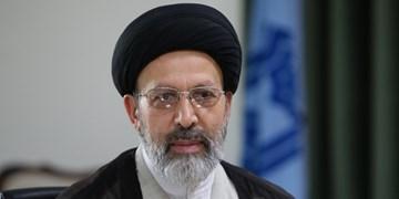 توجه به نماز ابزاری برای مقابله با تهاجم فرهنگی است/ تجلیل از خبرنگار فارس