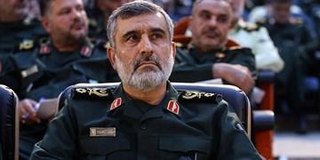 سردار حاجیزاده: ارتش و سپاه در کنار هم هویت پیدا میکنند/ دلیل مخالفت رهبری با خرید تجهیزات نظامی