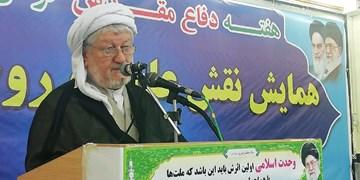 روحانیون باید با دانش خود تفکرات افراد تندرو را اصلاح کنند
